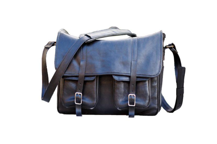 black-leather-messenger-dSLR-bag-TUSCANS