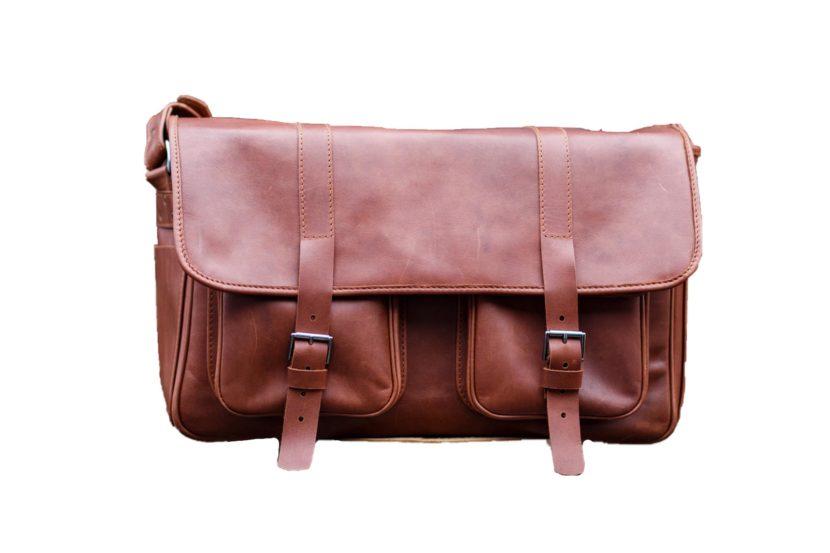 brown leather messenger dSLR bag TUSCANS