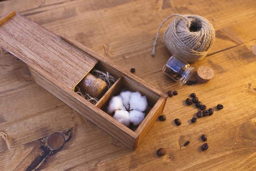 Wood USB Box Cotton